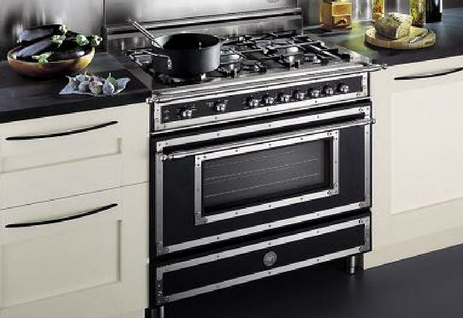 This 36 Inch Freestanding Gas Range From Dacor Renaissance Comes With A Sealed Cooktop And 5 4 Cubic Feet Oven Capacity It Has Large Viewing Window Which