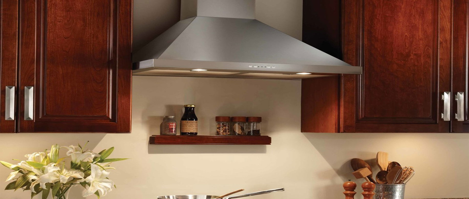 Delightful Some Of Our Most Popular And Most Affordable Internal Blower Range Are  Whirlpoolu0027s Custom Hood Liner That Enables Quiet Airflow For Efficient  Performance.
