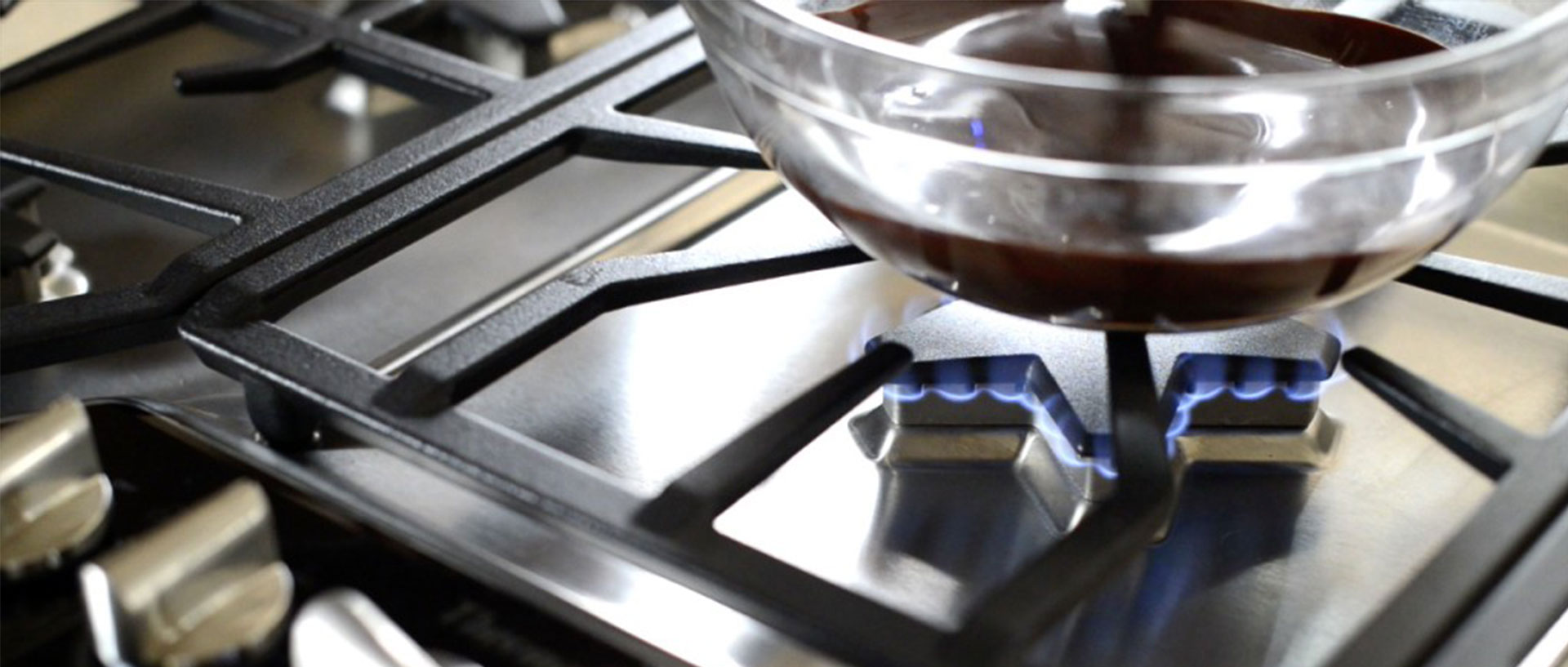 melting-chocolate-at-the-extra-low-flame