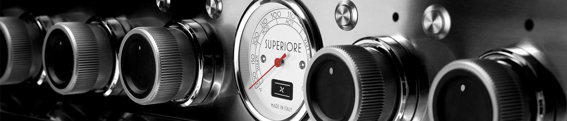 Superiore Range Control Panel Close-up
